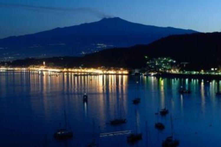 snorkeling and scuba diving tours taormina